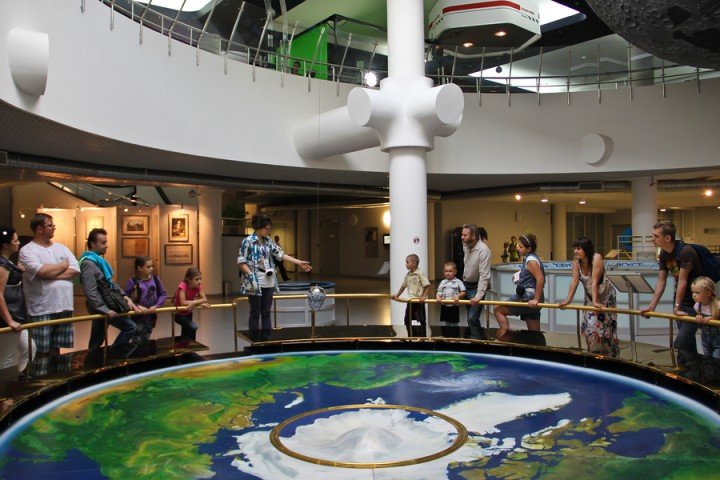 moscow-planetarium-foucault-pendulum